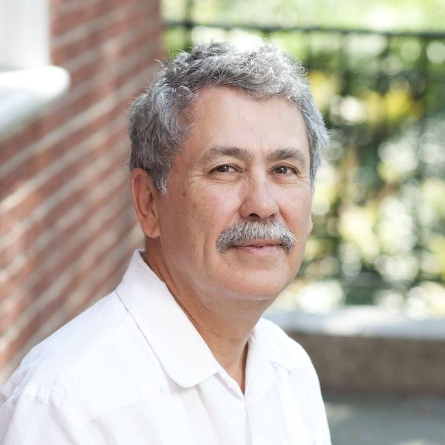 Headshot of Victor Valle