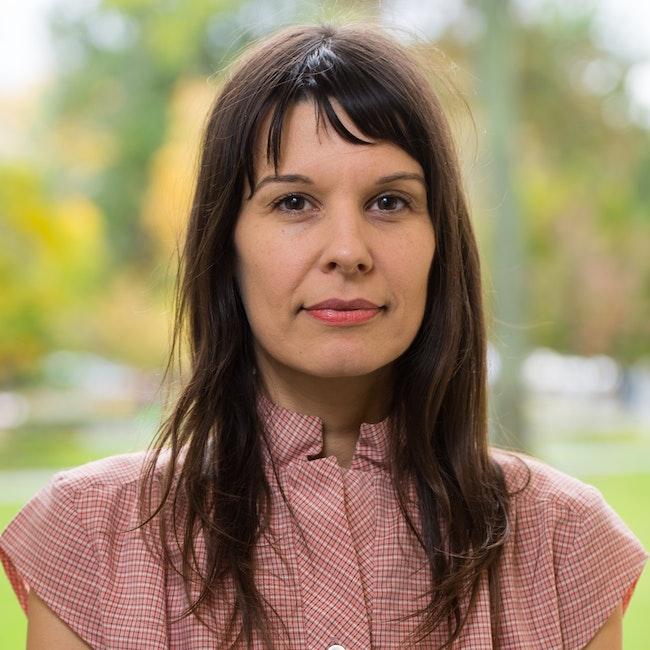 Headshot of Clarissa Tossin