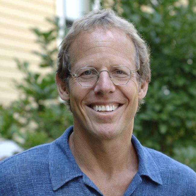 Headshot of Tony Horwitz