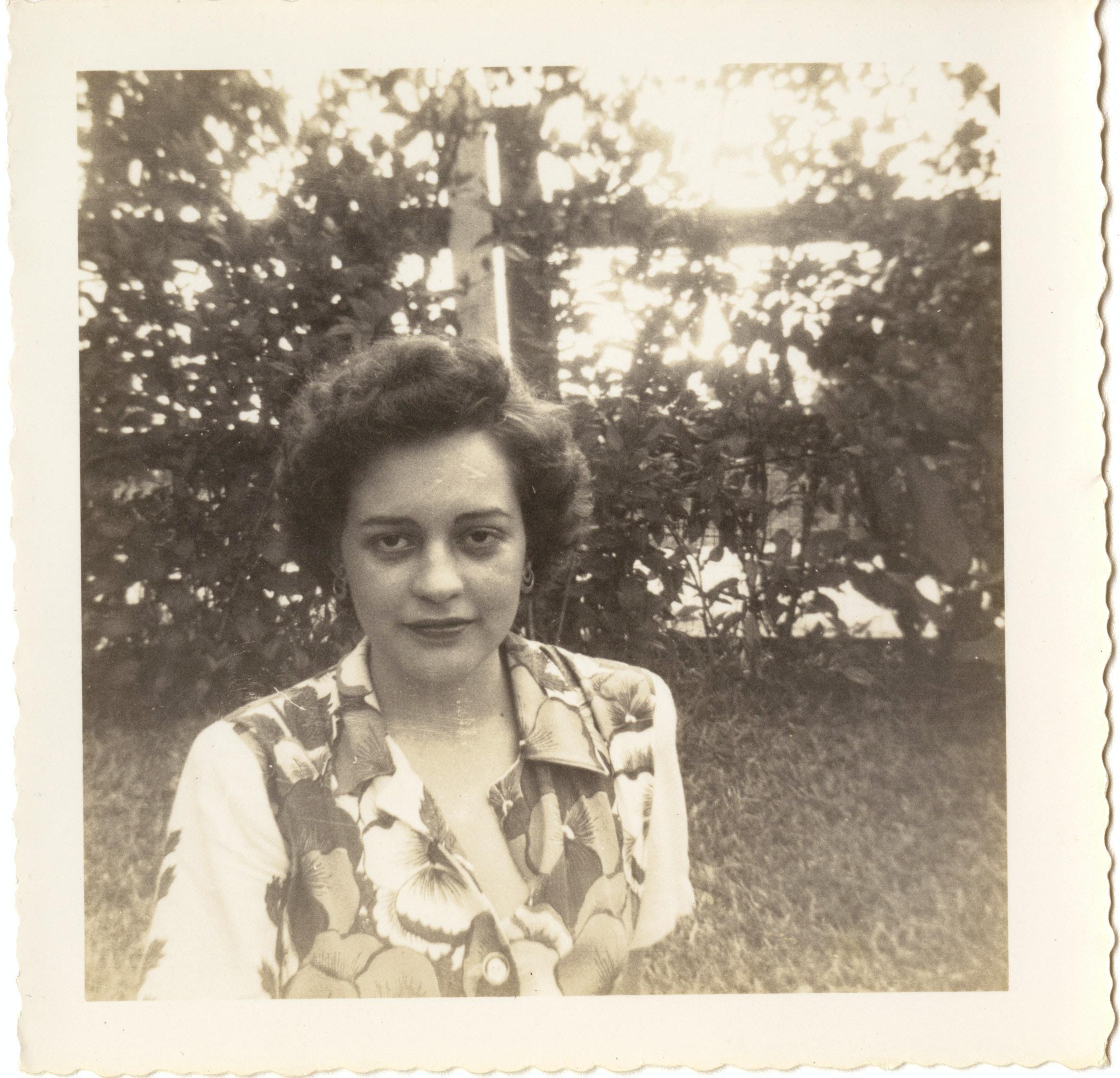 Ana Livia Cordero outdoors