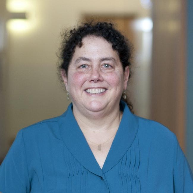 Headshot of Stefi Baum