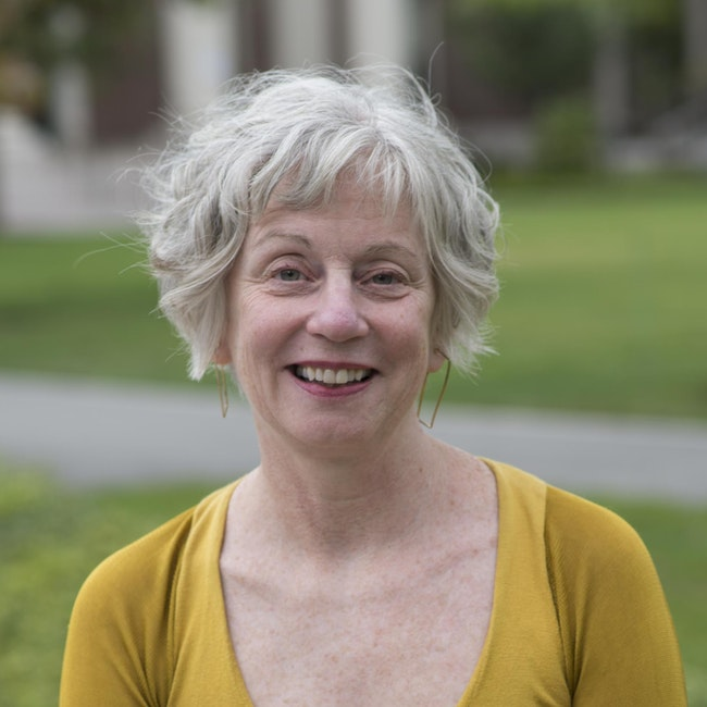 Headshot of Alice Lyons