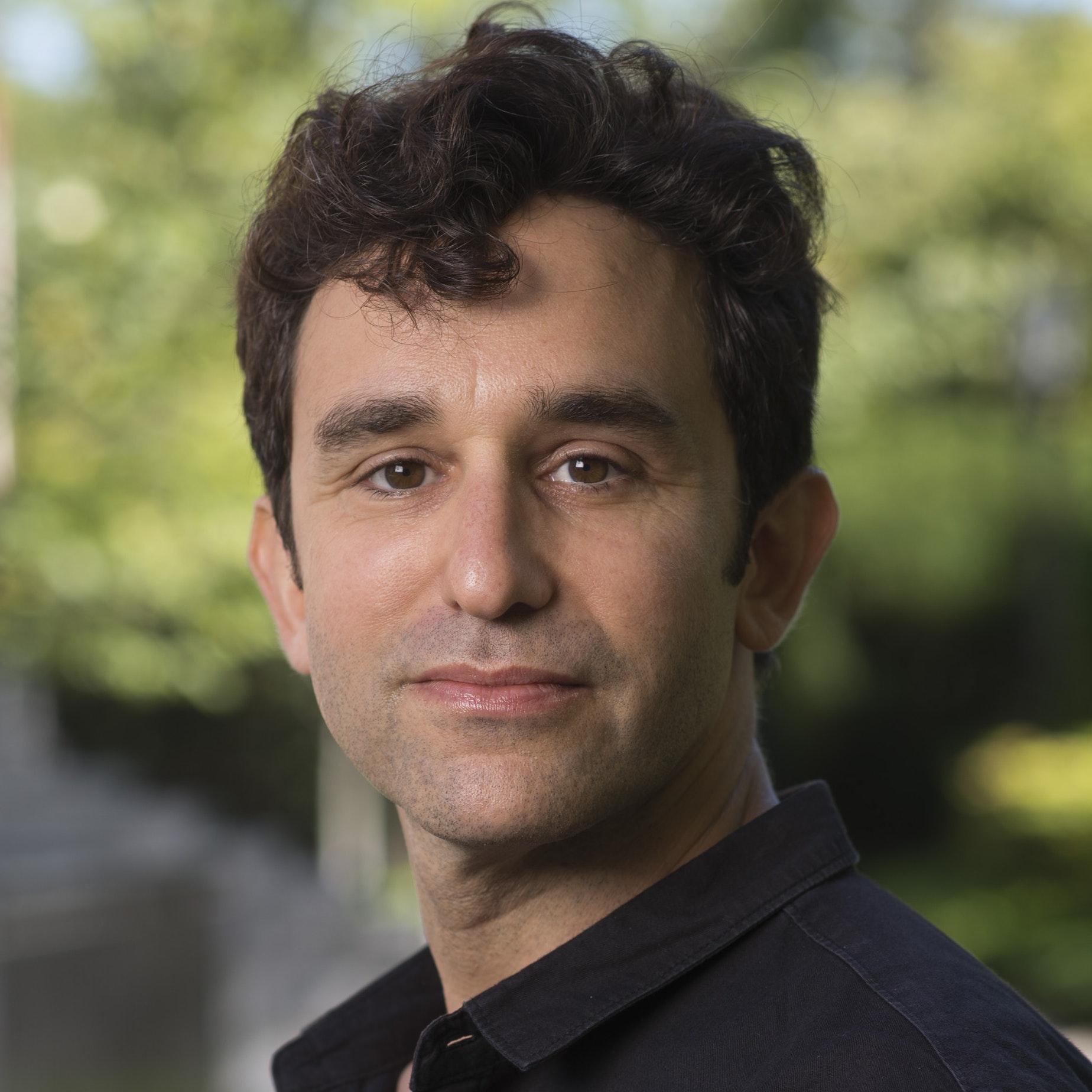 Headshot of David Gruber