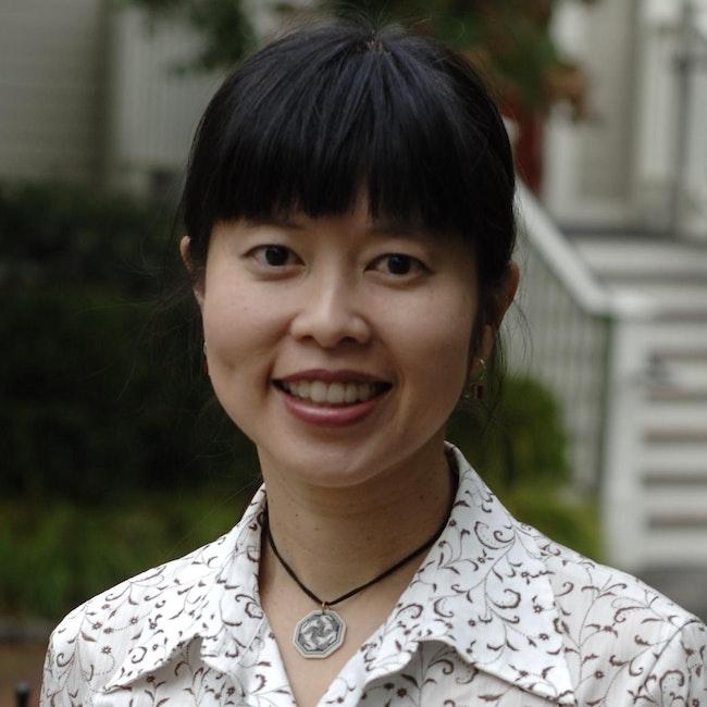 Headshot of Vyvyane Loh