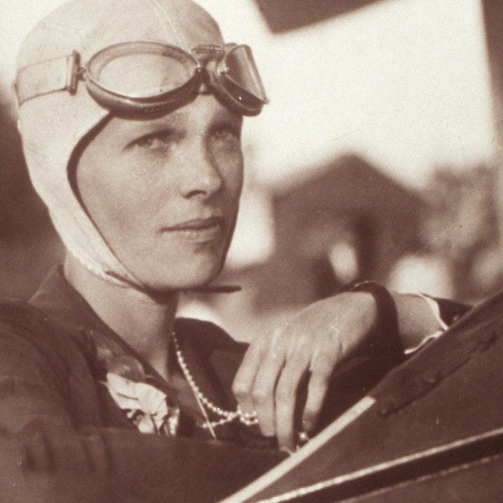 Photograph of Amelia Earhart in 1280