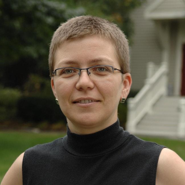 Headshot of Magda Teter