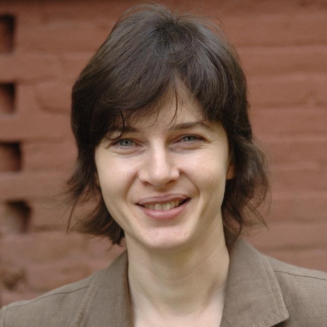Headshot of Antonia Szabari