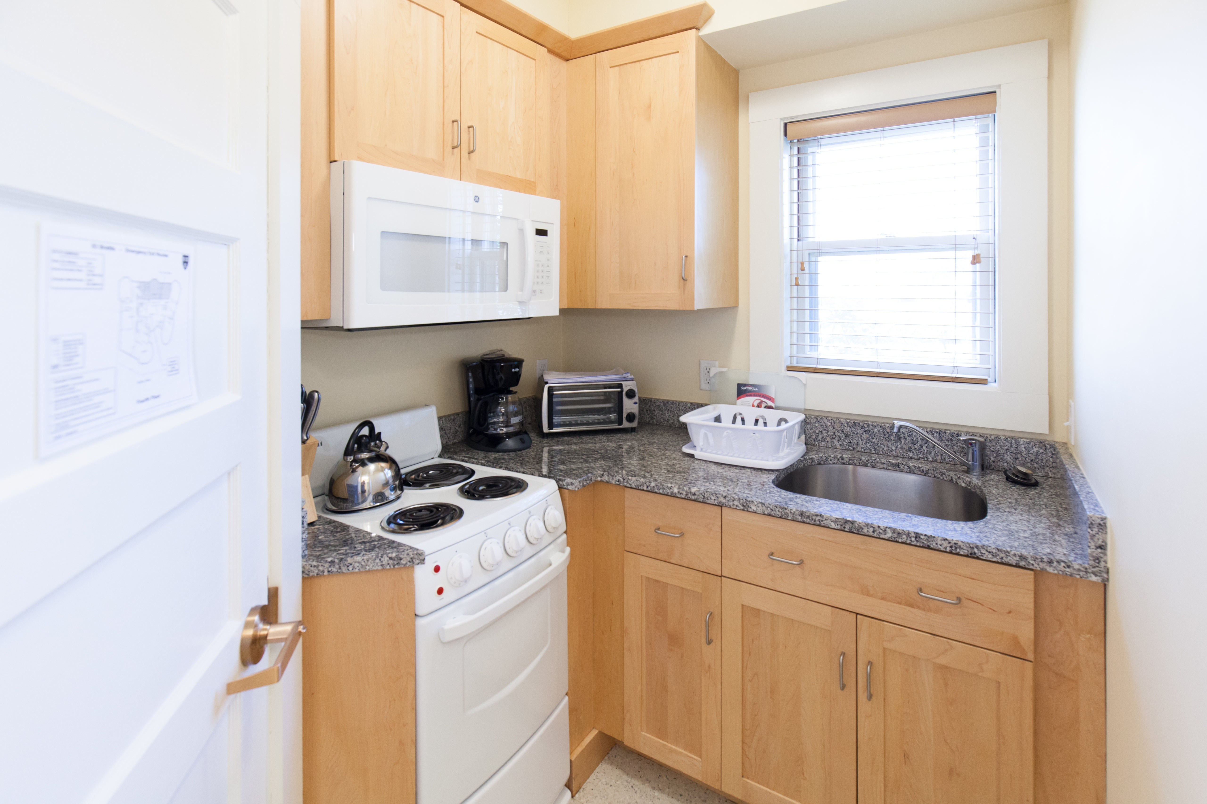 Kitchen in 83 Brattle Street one bedroom apartment
