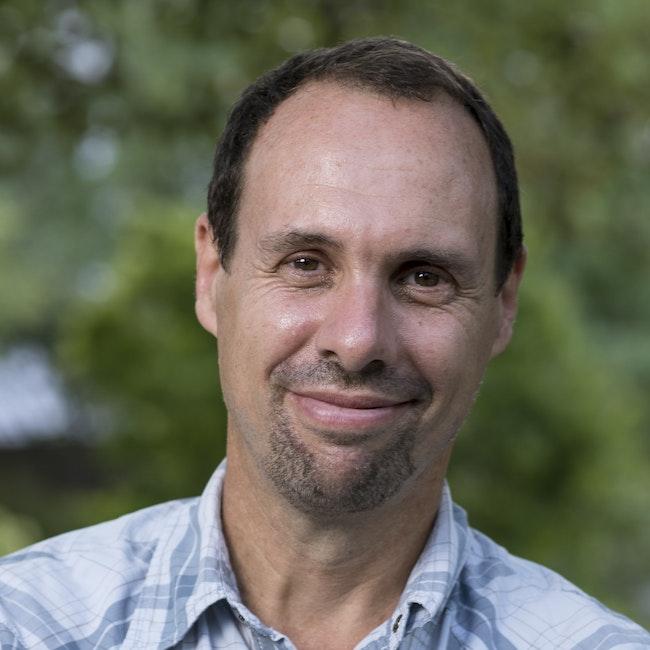 Headshot of Hernan del Valle