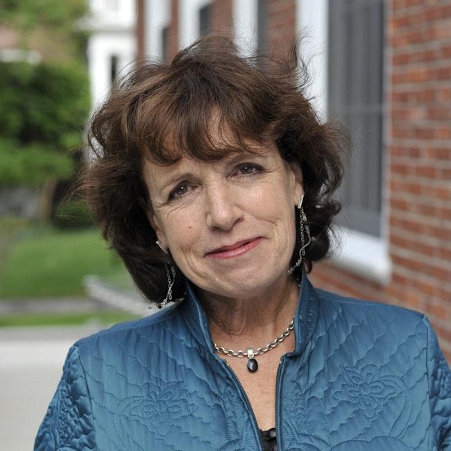 Headshot of Lynne Jones