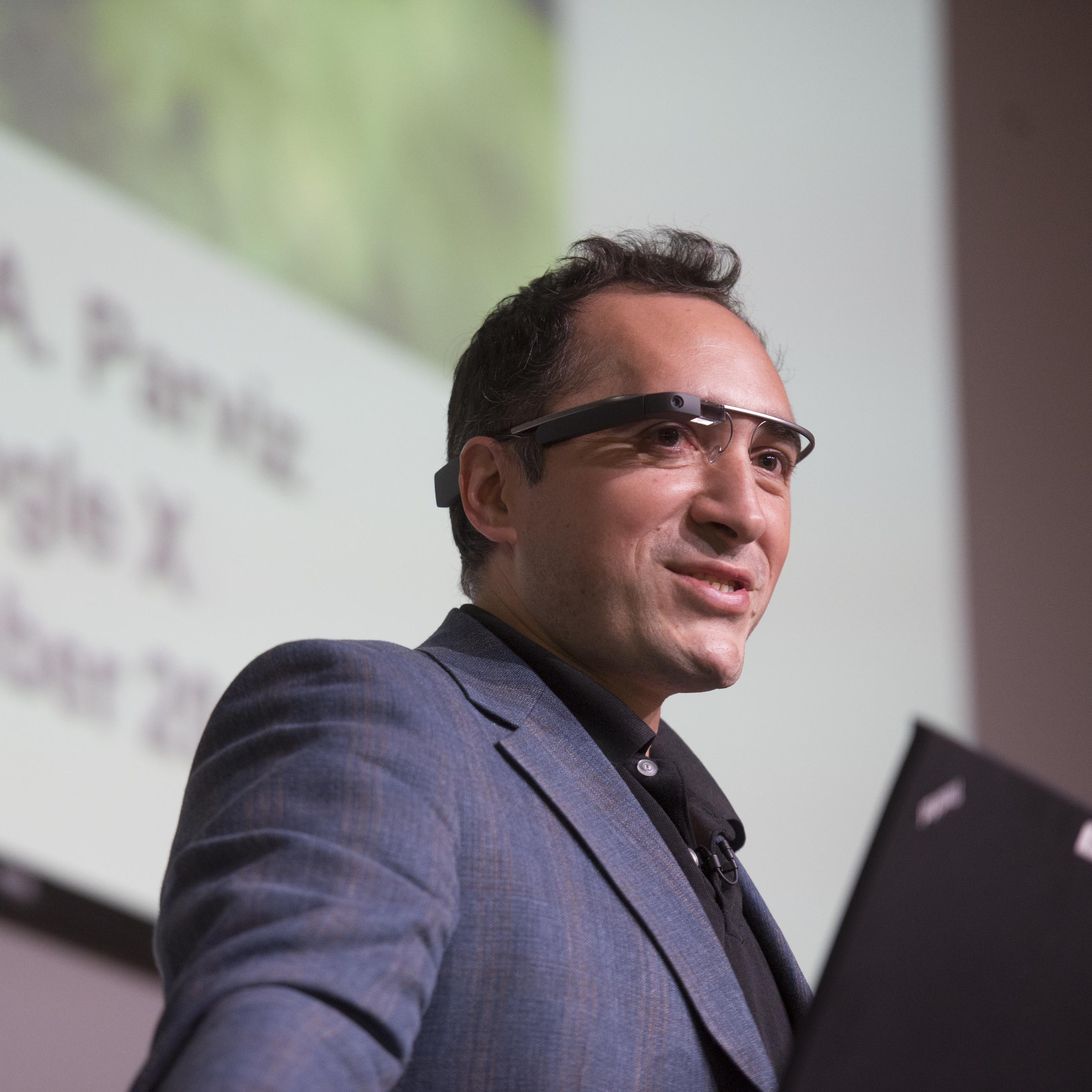 """Babak Parviz speaking at the """"Smart Clothes"""" science symposium"""
