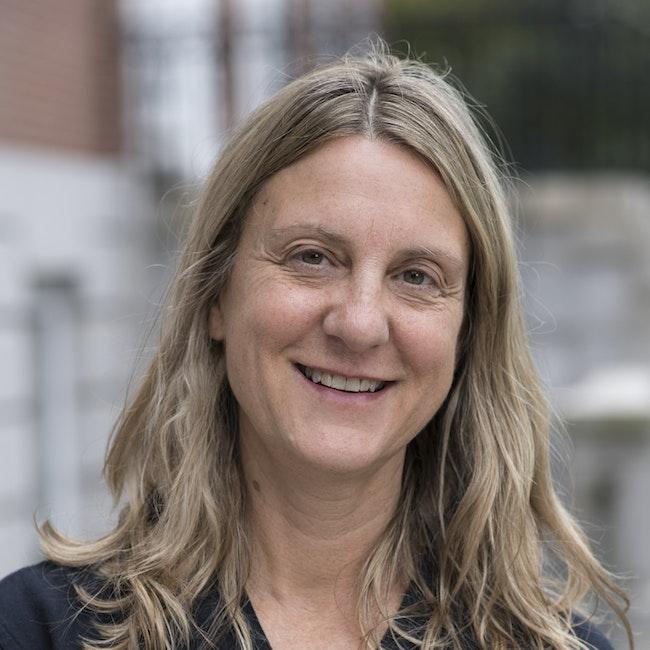 Headshot of Eve Fowler