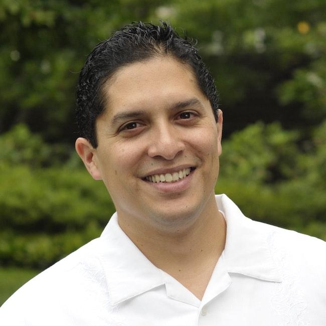 Headshot of Manuel Vargas
